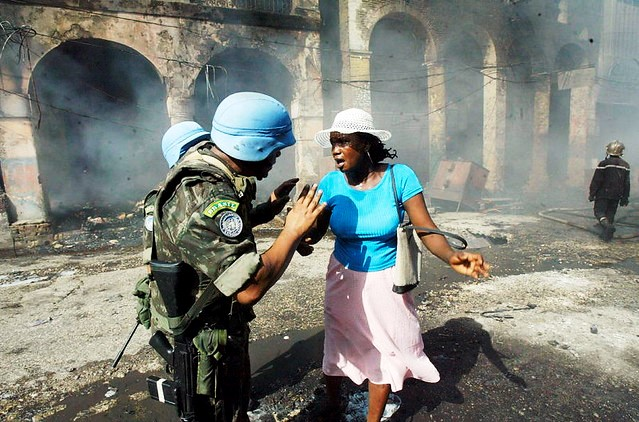 Peacekeepers Help Street Merchant in Haiti